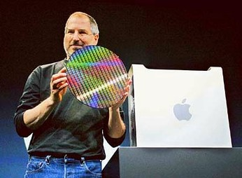 image of steve jobs with apple IBM G5 CPU wafer
